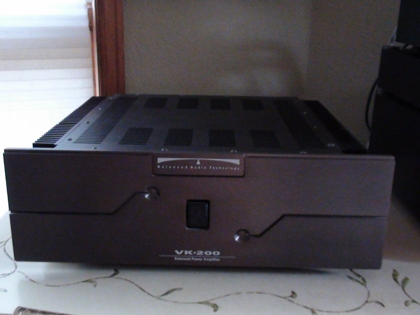 BAT - Balanced Audio Technology VK-200 Amp