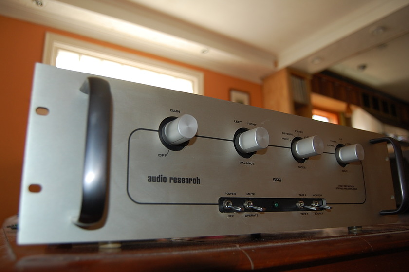 Audio Research SP 9 -Hybrid preamp with phono-