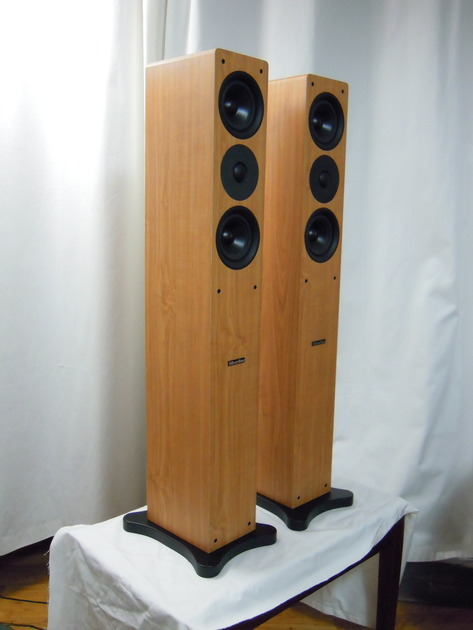 Silverline Audio Prelude  Floorstanders