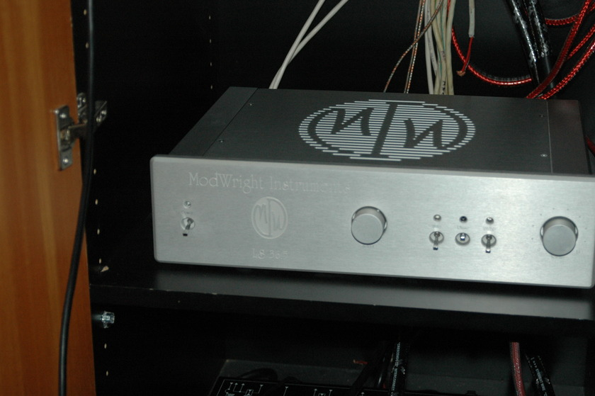 Modwright  LS 36.5 Tube Preamp
