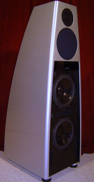 Meridian DSP7000 Digital Speakers