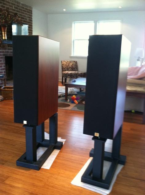 Aerial Acoustics LR5 Cherry w/Stands