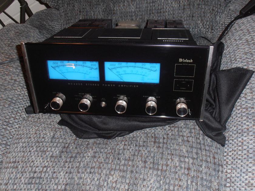 MCINTOSH MC-2205 200 W PCH AMP