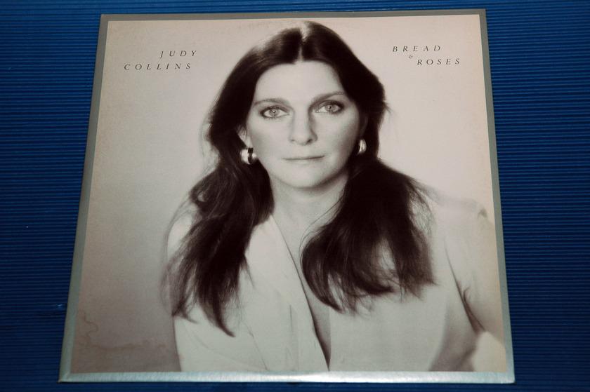 "JUDY COLLINS - - ""Bread & Roses"" -  Elektra records - 1976"