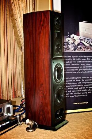 Acoustic Zen Crescendo speakers Demo pair-  Save!