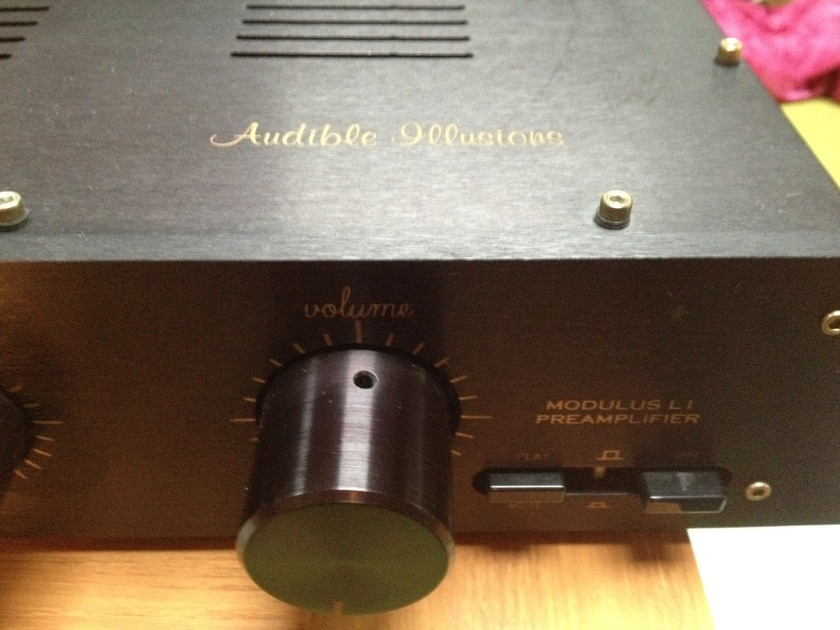 Audible Illusions L-1 Preamp