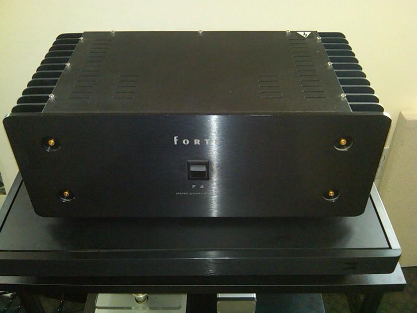 Forte  F4 Amplifier