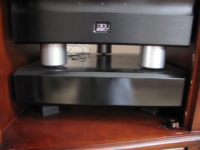 """Mapleshade 4"""" Black Gloss Maple Platforms - 17 x 19"""