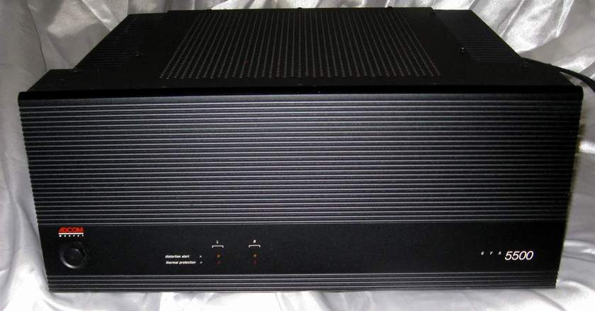 Adcom GFA-5500 power amplifier