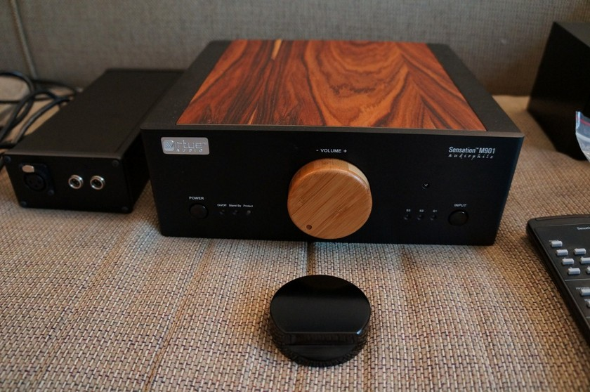 Virtue Audio Sensation M901 with Battery PS, BatteryBUSS, and Other Items - Package
