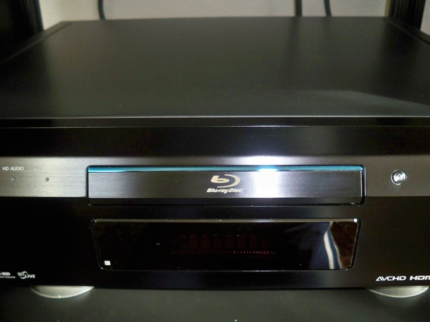SONY BDP-S5000ES Bluray/Dvd/Cd. Free Shipping in the US.