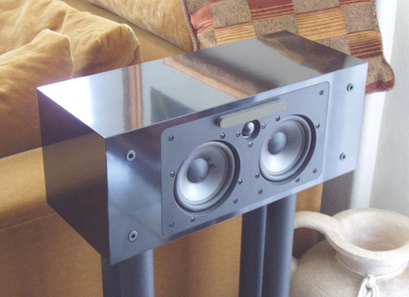 NHT /  Now Hear This VS-2  LCR Center Speaker elegant in high gloss black