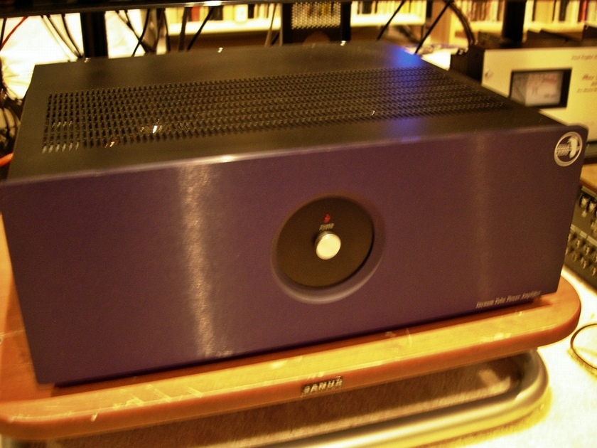 Rogue 88 stereo power amplifier