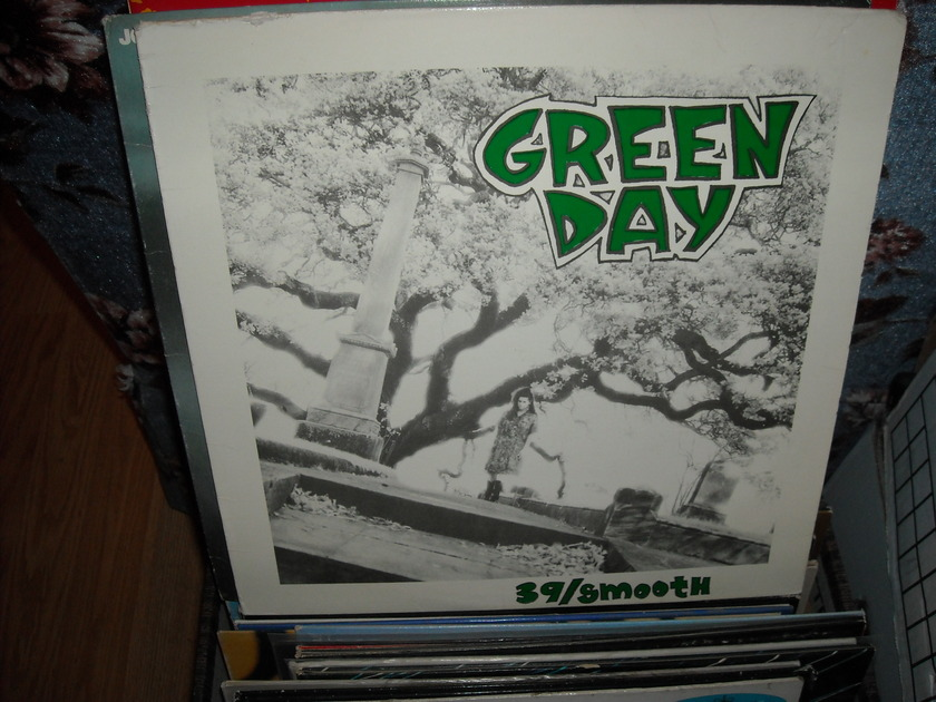 Green Day - 39/Smooth Lookout  LP (c)