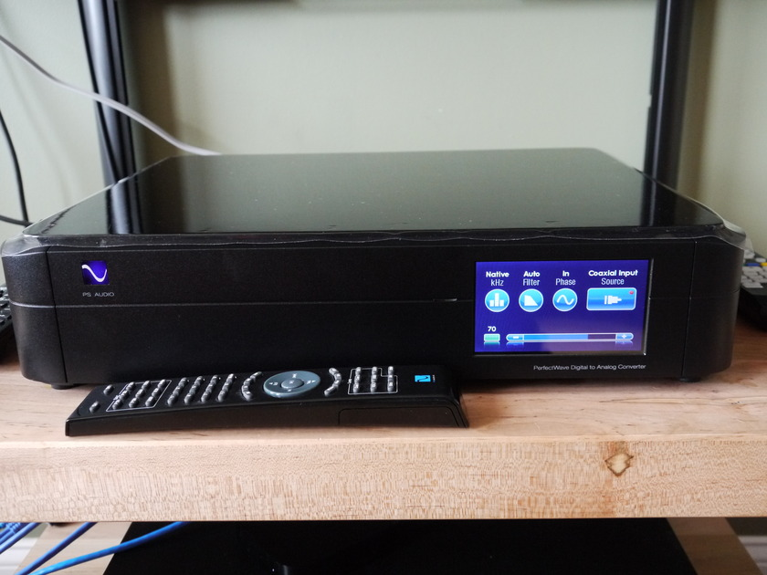 PS Audio Perfectwave DAC w/ Bridge Black Networking / Music Server