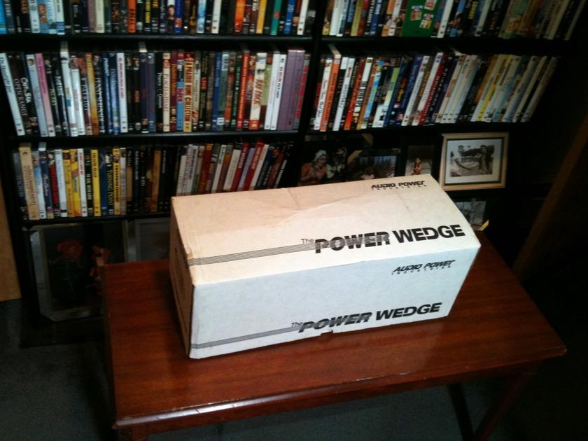 Audio Power Industries PW-1 power conditioner/distributor