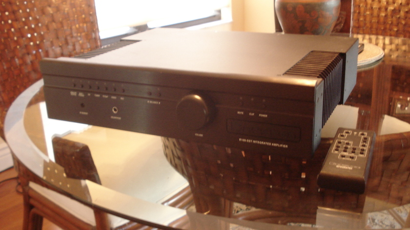 Bryston B-100 sst Black, 17 inches with remote