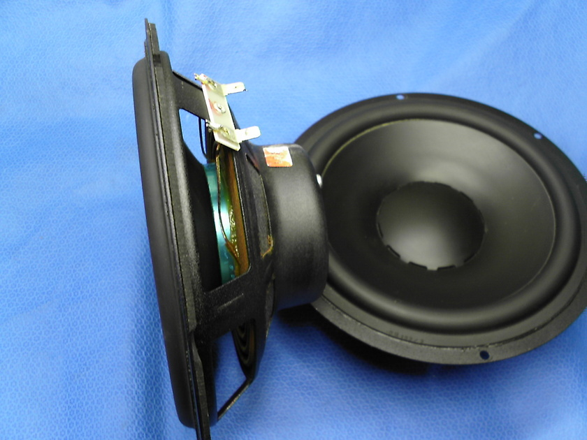 Dynaudio 8 Inch Speakers Woofers Subwoofer IP24 4 Ohm ea