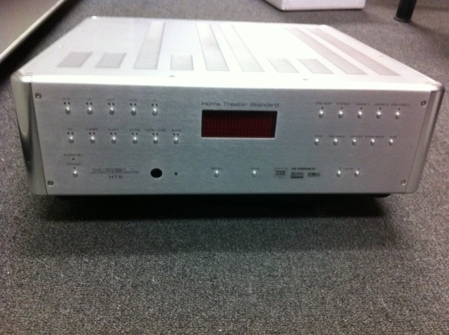 KRELL HTS 7.1 Preamp, KAV300il Integrated Amp