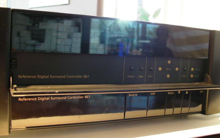 Meridian 861Digital Surround controller reference standard