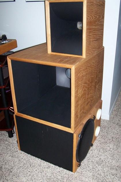 Edgar horn System 100 powered bass
