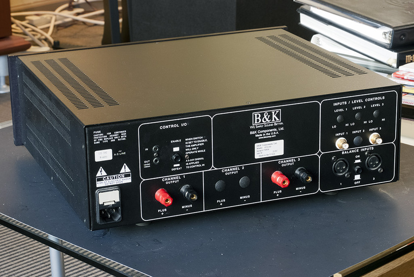 B&K  ST2140 Power Amplifier; 140w x 2