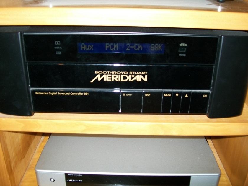 Meridian  861v4 Surround processor