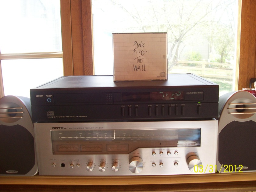 Rotel RX-304 Great Vintage Receiver 50 Watts X 2 $125.00