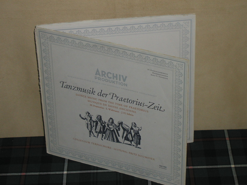 NEUMEYER  - Praetorius: Dances from Terpsichore Archiv 198 166 TRI Fold 1st Press