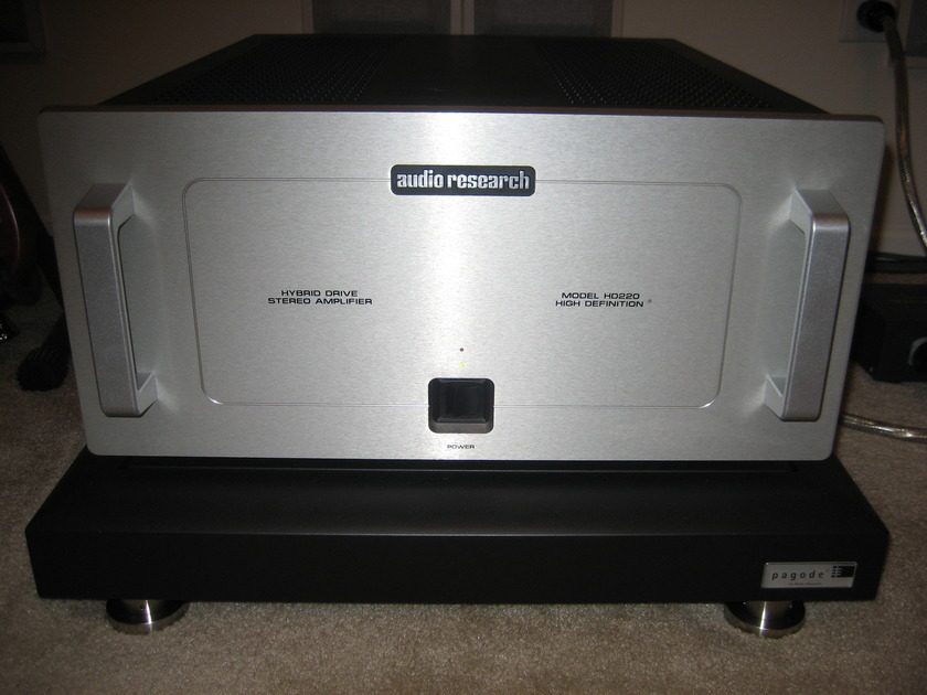 Audio Research HD220 Hybrid Amplifier  Silver Face