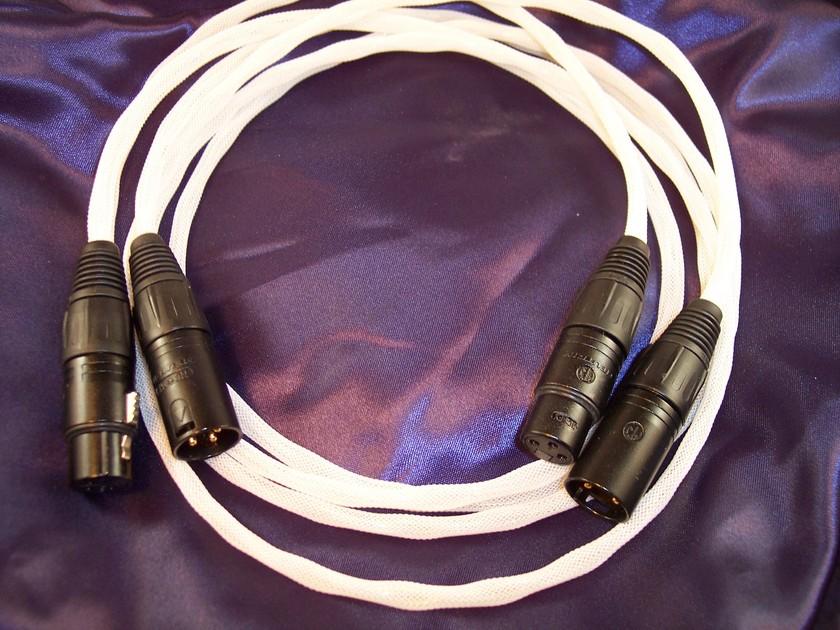 Black Mountain Cable 1M Peak Gold XLR Pair - Enjoy A Peak Experience