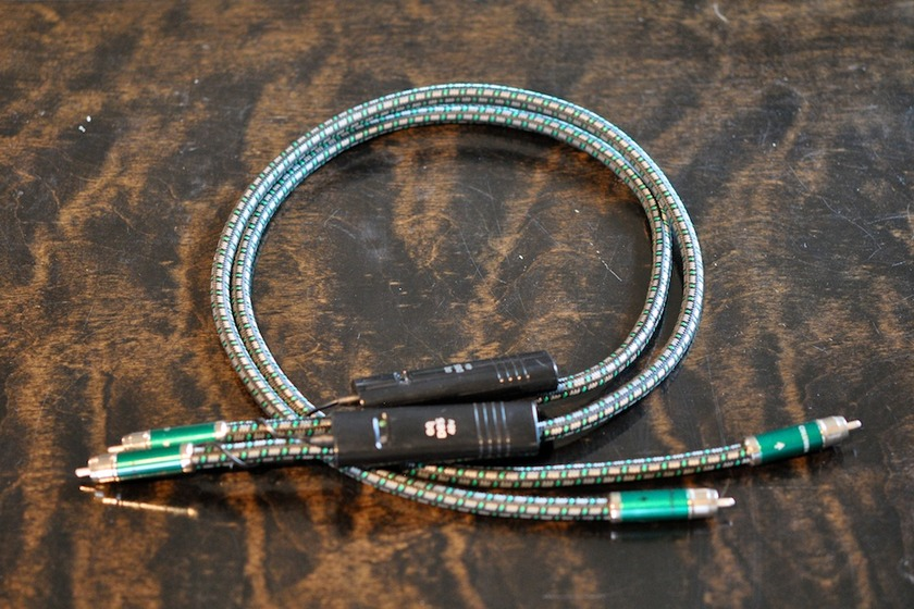 AudioQuest  Columbia 1m RCA 48v DBS  Interconnect