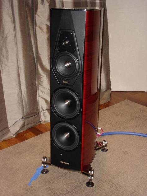 Sonus Faber Amati Futura Speakers - as new condition
