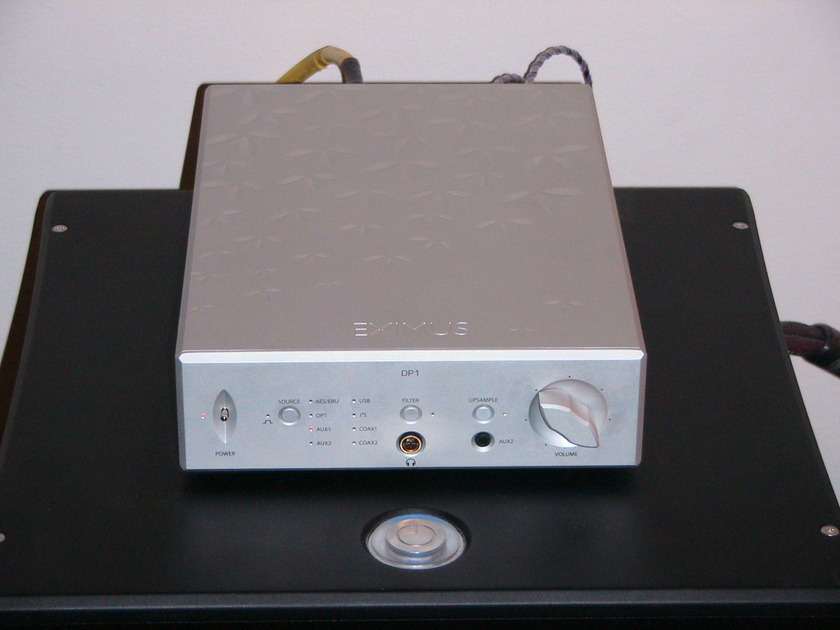April Music Eximus DP-1 DAC/Preamplifier/Headphone amp