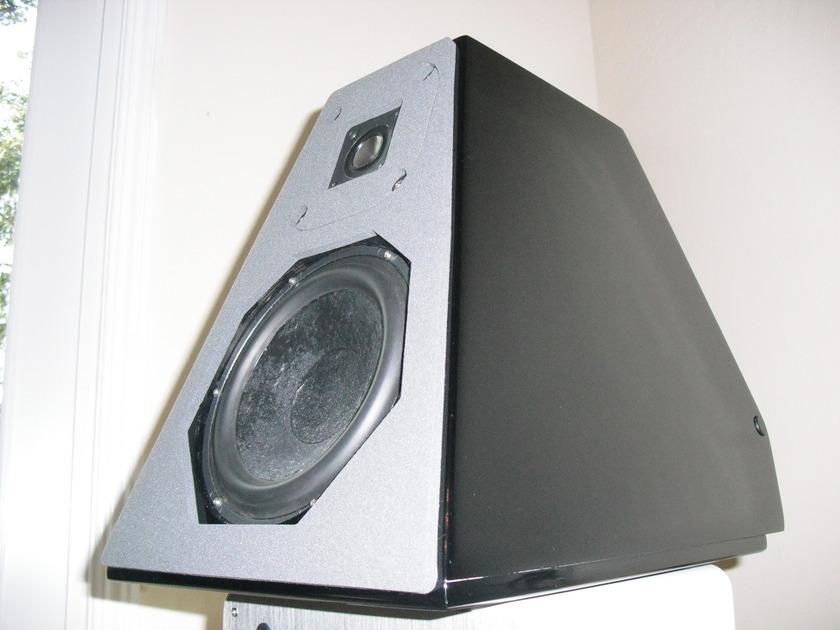 WILSON AUDIO WATT 5's  - Black Hardware -                       RARE OPPORTUNITY - EXCELLENT !