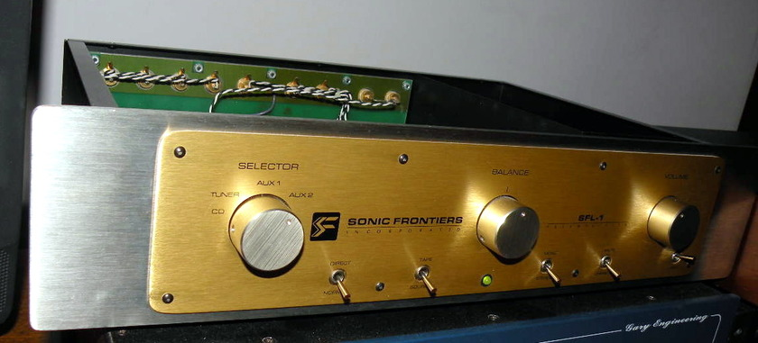 Sonic Frontiers SF1 tube preamp 12AT7 or 6DJ8 compatible a tube rollers dream come true