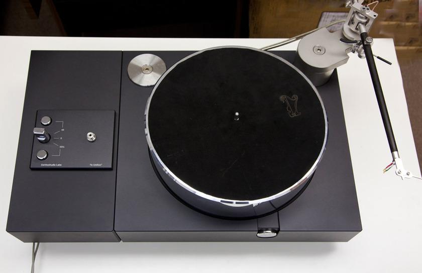 "Da Vinci Audio Labs In UniSon Mk2 TurnTable and Tonearm UniSon Mk2 TurnTable and Da Vinci Grandezza Grand Reference 12""Tonearm"