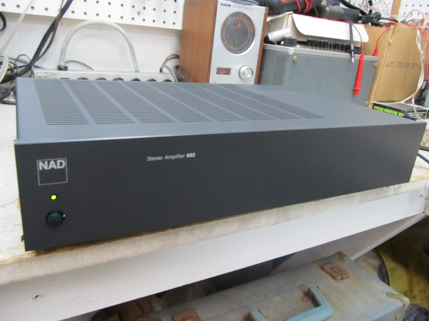 NAD 902 STEREO POWER AMP NAD 902, 30 WPC, CONSERVATIVE DISCRETE BIPOLAR OUTPUTS, EX SOUND