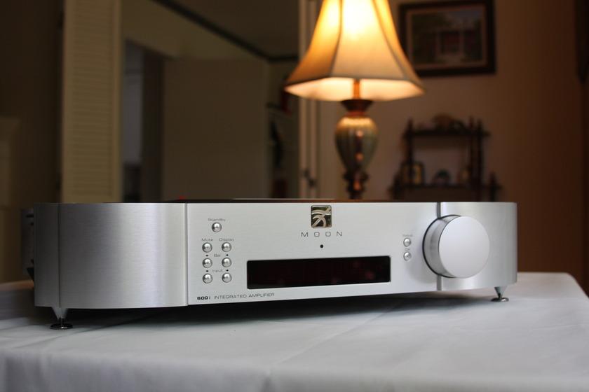 Simaudio 600i Integrated amp