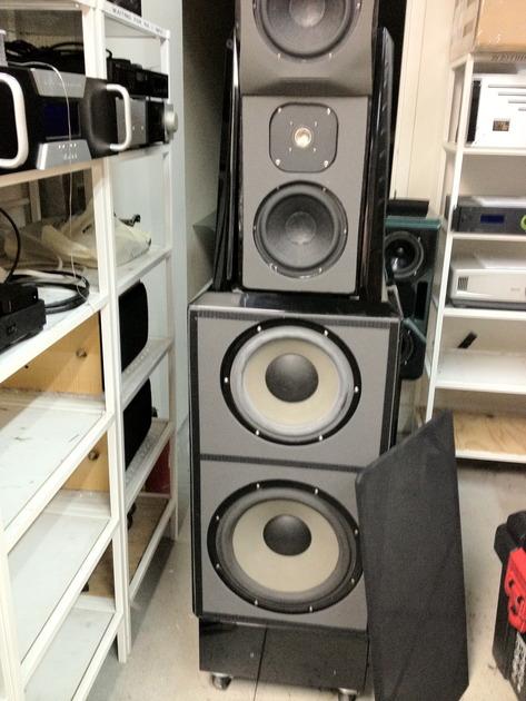Wilson Audio Maxx I Black