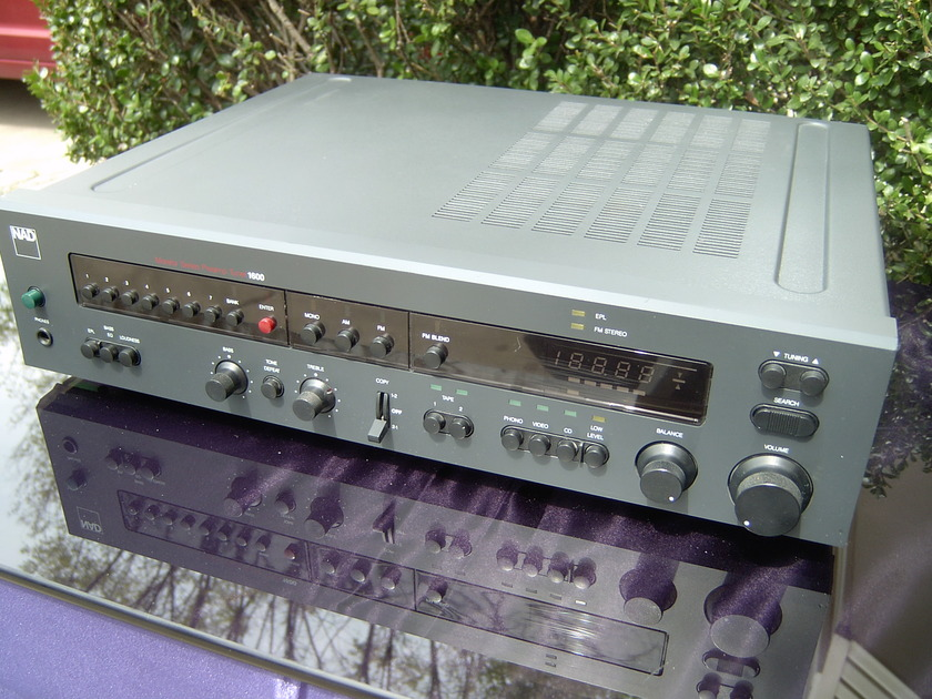 NAD 1600 tuner preamp very good condition
