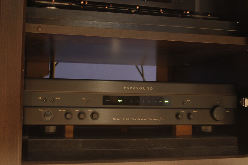 Parasound New Classic 2100 Preamp