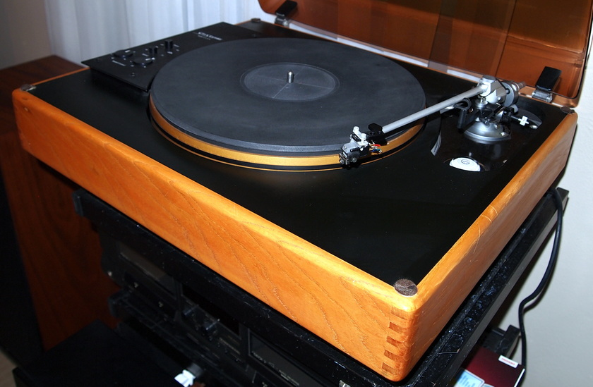 SOTA SAPPHIRE with Signet XK-50 tonearm and Shure V15 V-MR cartridge