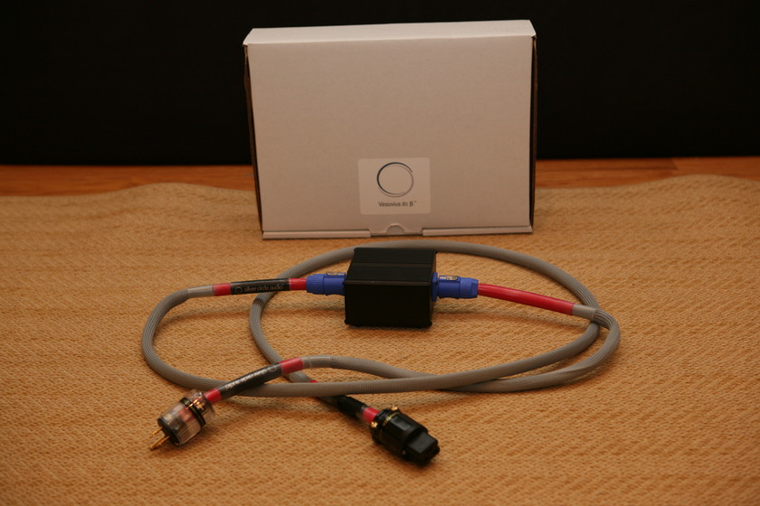 Silver Circle Audio Vesuvius dcB Power Cord with Heat-Sinked Box