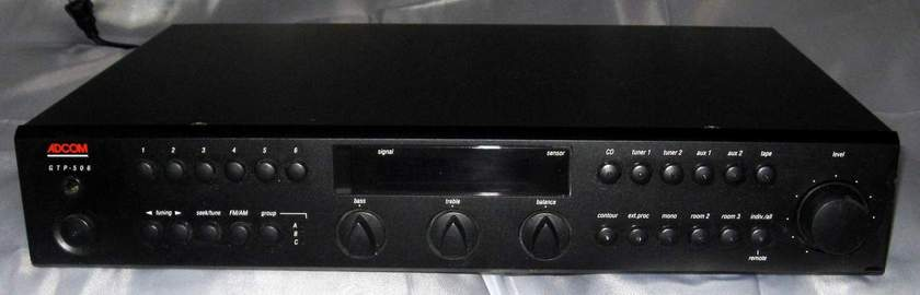 Adcom GTP-506 preamplifier tuner