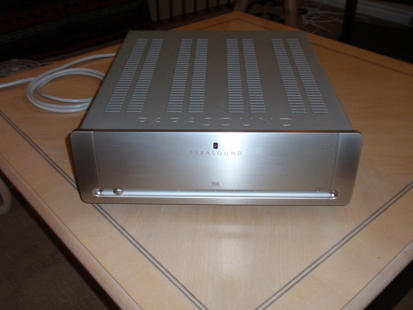 Parasound A 52 Amplifier