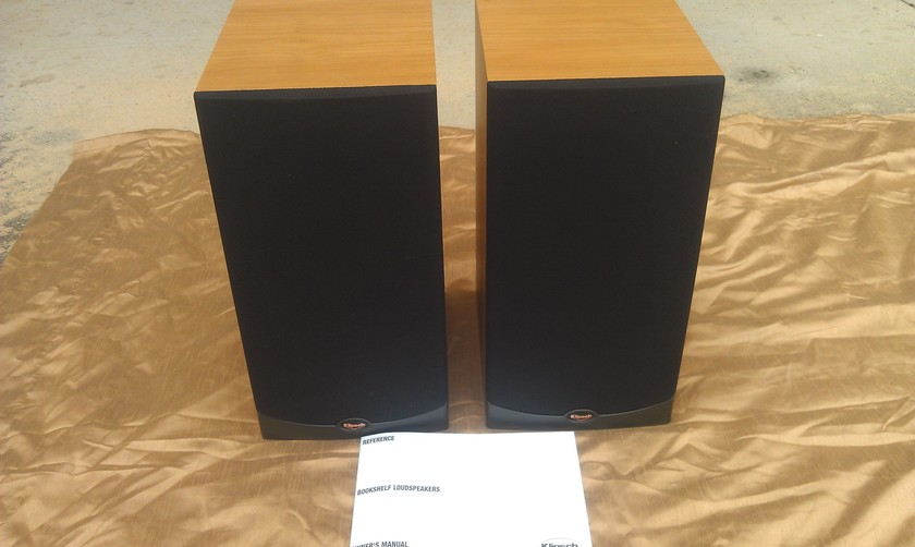 Klipsch RB-25 Speakers