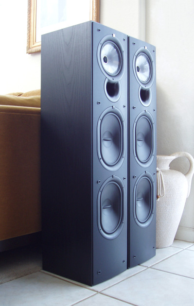 KEF Audio Q-75  Q75 Absolutely Pristine w/Factory Boxes