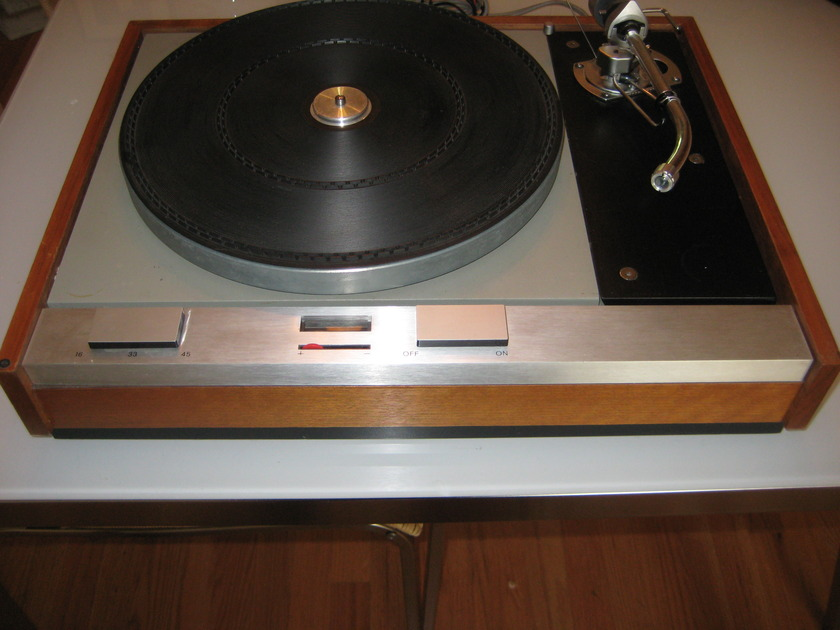 Thorens TD 125 Classic belt drive turntable nice