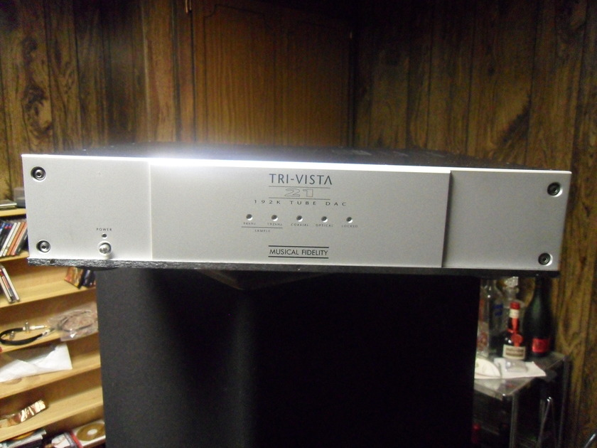 Musical Fidelity. Tri-vista 21. 192k tube Dac. Serviced recentely.